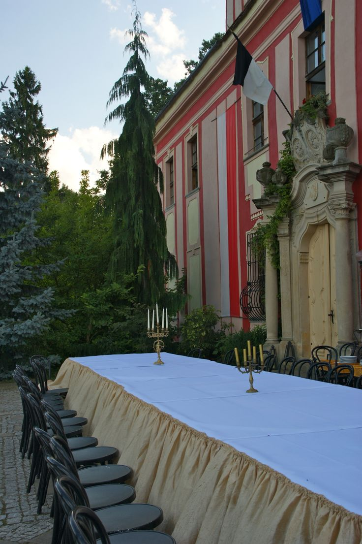 dining table in front of Palac Warmatowice wedding