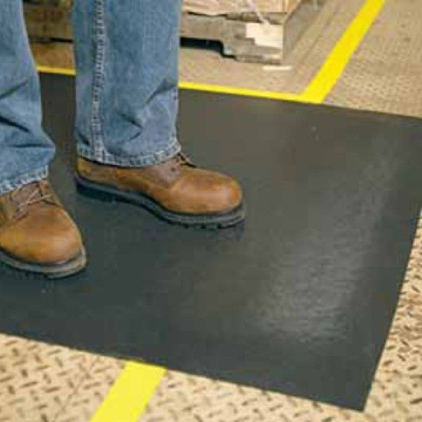 3M™ Safety-Walk™ Cushion Mat 3270E (Anti Fatique Mat) 3ft X 5ft  3M Nomad 3270 is a spring-coiled antifatigue cushion matting that provides excellent comfort with a clean, sleek appearance. The spring-coiled vinyl backing compresses uniformly and continually for greater worker comfort. http://tigaem.com/keset-cushion-matting/1297-3m-safety-walk-cushion-mat-3270e-anti-fatique-mat-3ft-x-5ft.html  #safetywalk #cushionmatting #keset #3M