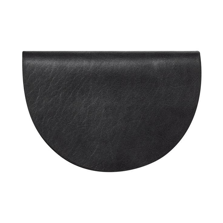 ATOM BAG No 5: leather goods in black / half-moon shaped bag / beltbag / shoulder bag / handcrafted in Poland / atomy store designer bag minimalist / Premiering this Fall @ atomy-store.com