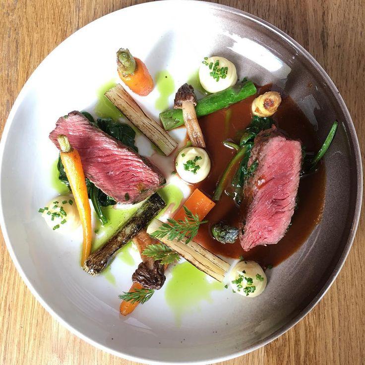 Po čase nový steak! Roštěná, mrkev, chřest, kačenka a lehce zauzené bramborové pyré. :) #nejenbistro #bistro #praha #prague #food #chef #foodlover #foodies
