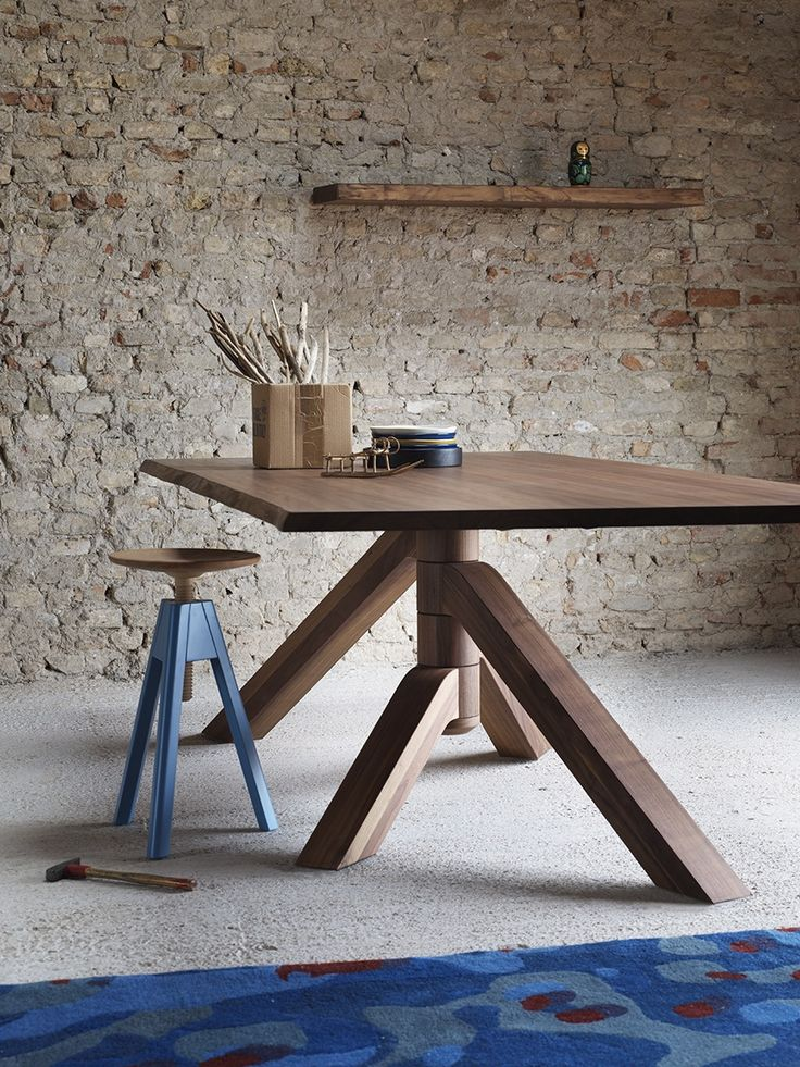 Keplero dining table, design by Paolo Cappello