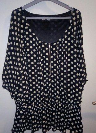 À vendre sur #vintedfrance ! http://www.vinted.fr/mode-femmes/tuniques/38162210-haut-noir-a-pois-blanc-casse