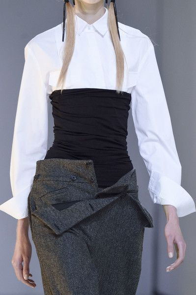 Hussein Chalayan at Paris Fall 2016 (Details)