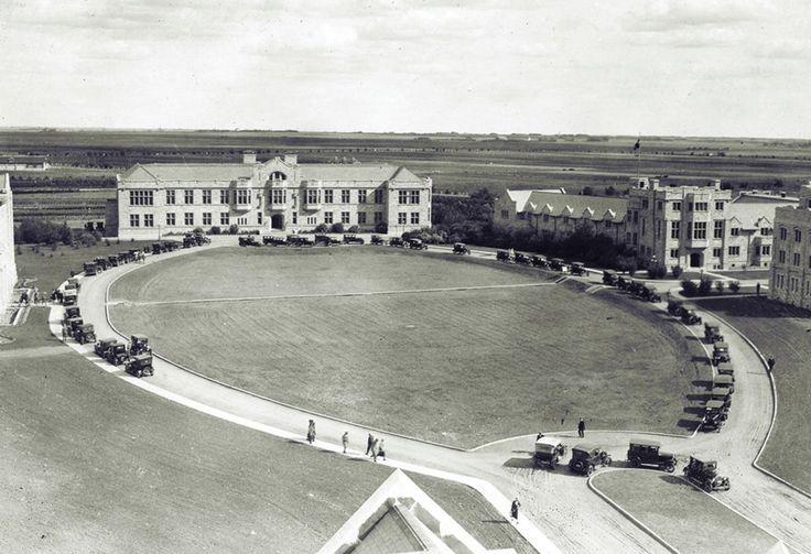 1924 image of the University of Saskatchewan; source: @usask