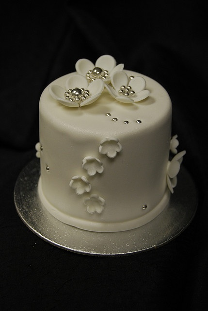 White Blossom Mini Cake
