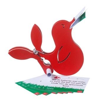 Tjielp  vogeltjes met knijpstaartjes en opdrachtkaartjes  Hema ontwerpwedstrijd 2011  Leuk voor speurtochten, maar natuurlijk ook voor in huis  Nu niet in assortiment ??  9,95