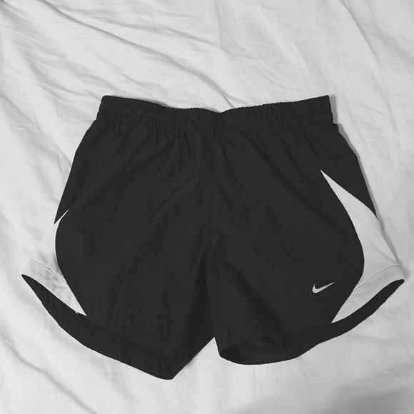 Black Nike Shorts very beautiful shorts, great condition! size xs! Nike Shorts