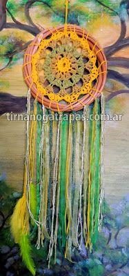 Atrapasueños único Crochet verde y amarillo www.tirnanogatrapas.com.ar