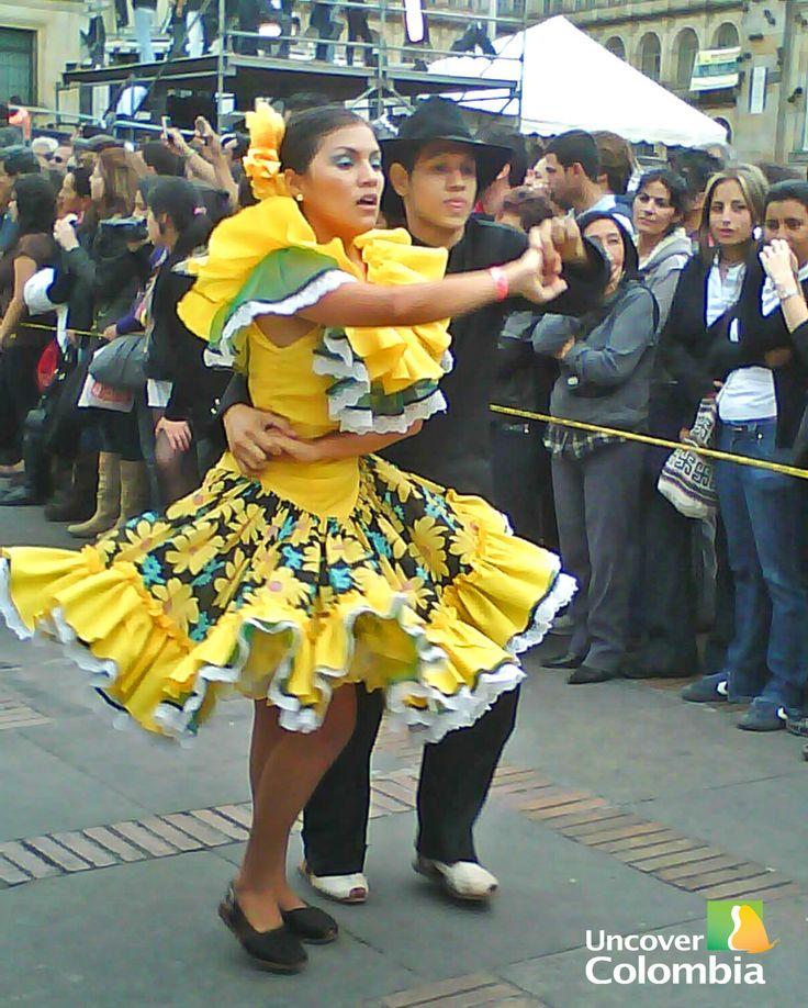Joropo baile típico de los llanos orientales Colombianos.