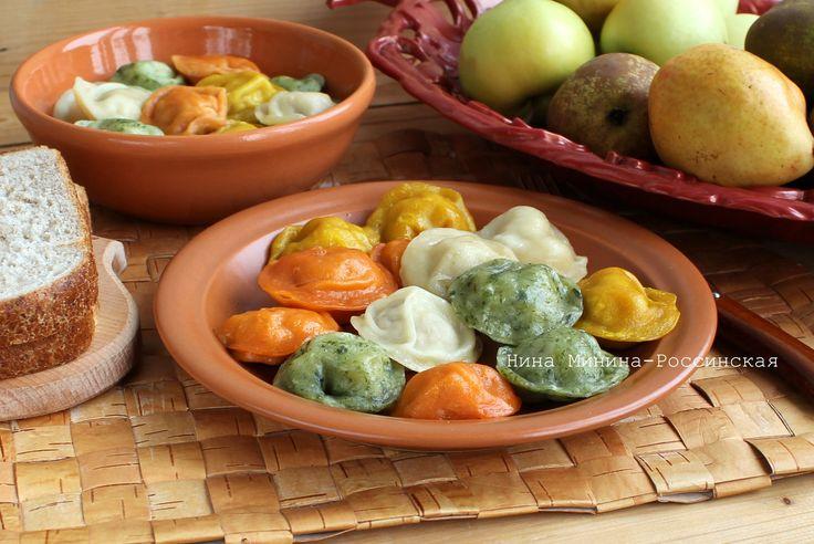 Цветные пельмени можно приготовить с любыми начинками: мясными, овощными, грибными и в сочетаниях. Пельмени из разноцветного теста получаются аппетитными для…