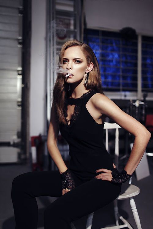 Zuzanna Kołodziejczyk na zdjęciach Antoniny Dolani - Moda - ELLE.pl - luksusowy serwis dla kobiet