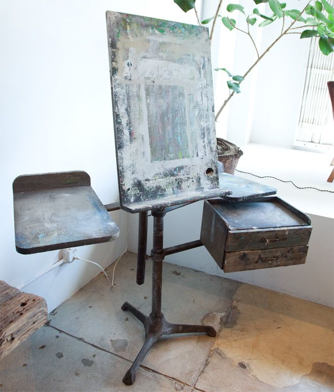 Angelina Stevens really likes this easel!!!!! http://www.1stdibs.com/archivesE/1stdibs/060711/GalerieHalf//20/_MG_7147.jpg