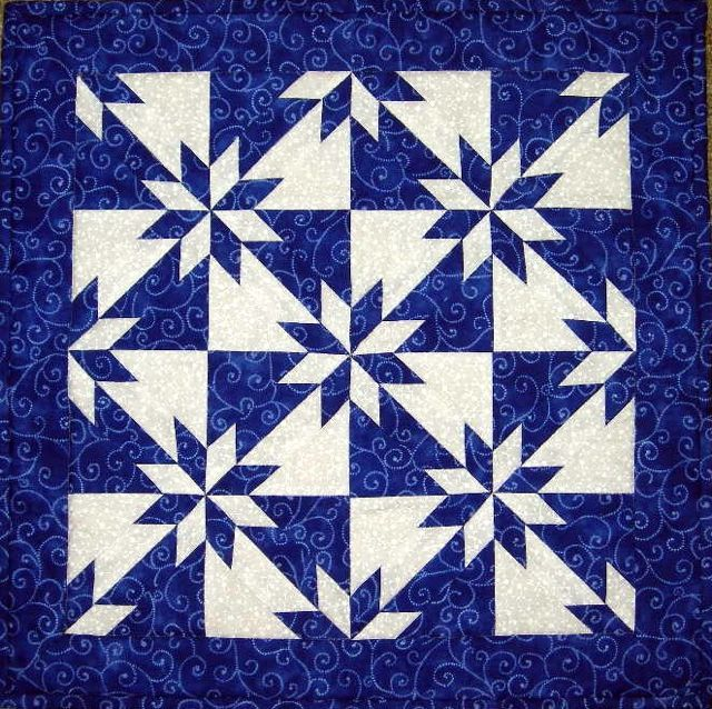 This Hunters Star is my favorite two color quilt. Love this star pattern!