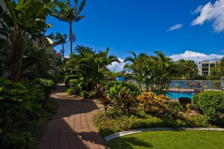 Bayview Waters - Landscaped Tropical Gardens - Runaway Bay Family Accommodation