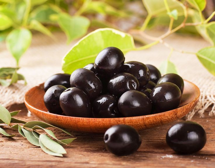 So I have to admit I loveeeeeee black olives! Especially on my pizza and pasta!!!! :)  5 Health Benefits of Black Olives!!
