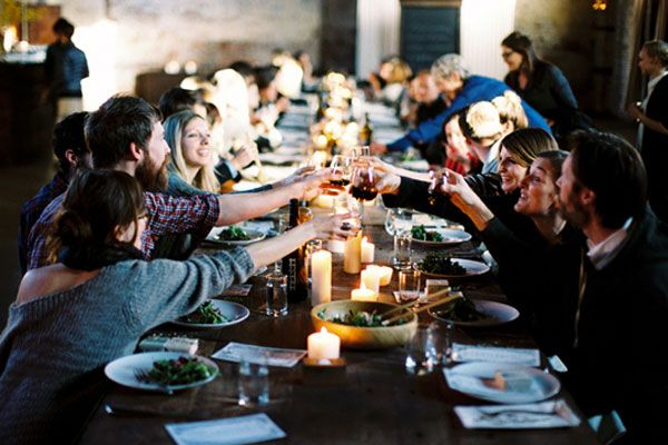 Farm to Fete, round up of our favorite farm fresh table toppings: Friends, Food, Leo Patrones, Kinfolk Dinners, Kinfolk Magazines, Dinners Parties, Families, Long Tables, Brooklyn New York