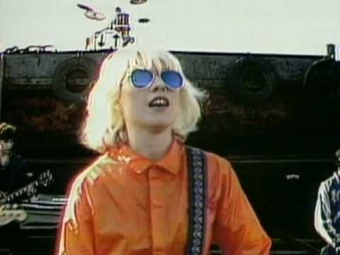 Official video of Blondie performing Union City Blue from the album Eat To The Beat. Buy It Here: http://smarturl.it/bnma2q Like Blondie on Facebook: http://...