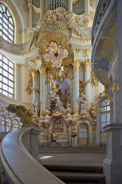 Baroque architecture inside Frauenkirche, Dresden, Germany (by Xavier de Jauréguiberry).