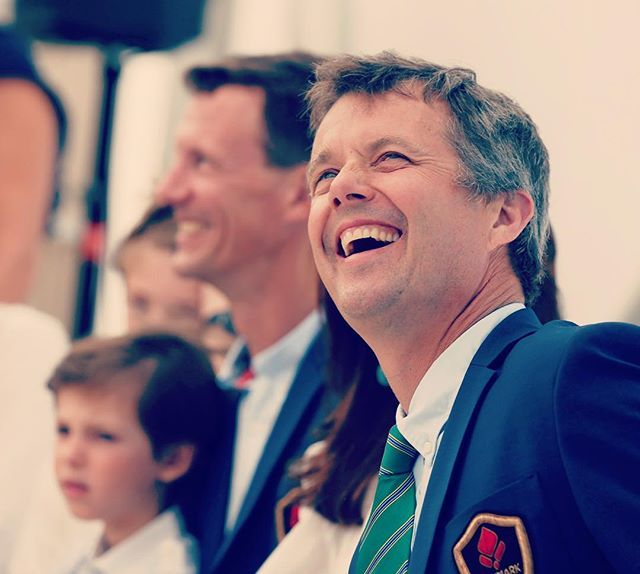 👑🇧🇷👑🇧🇷 I love this happy smile on Crown Prince Frederik 😍 - here at the opening of The Danish Pavillon in Ipanema Beach, yesterday 🇩🇰🇧🇷🔥👑 #rio2016 #olympics2016 #crownprincefrederik #kronprinsfrederik #princejoachim #prinsjoachim #princehenrik #prinshenrik #myfutureking #futurekingofdenmark #kongehuset
