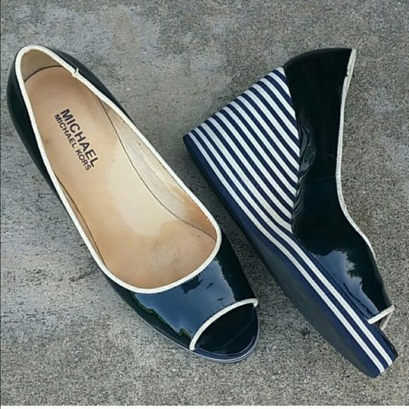 ❤️MICHAEL KORS WEDGES❤️ Patent leather and cute nautical stripes! Navy and white size 6. Worn twice and in really nice condition. Michael Kors Shoes Wedges