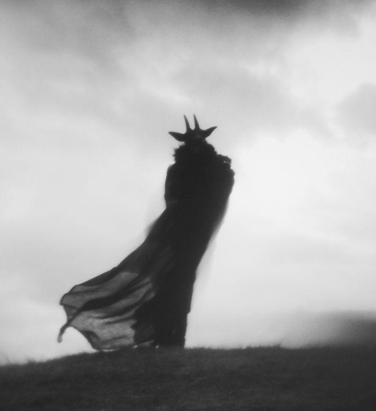 WITCHES SABBATH | nonalimmen: © Nona Limmen Facebook / Instagram