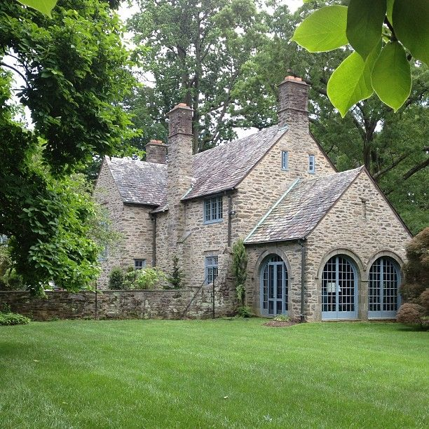 38 Homes That Turned Their Front Lawns Into Beautiful: Best 25+ Limestone House Ideas On Pinterest