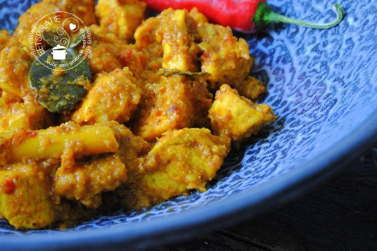 Kip rendang is een heerlijk kruidig gerecht met echte Indonesische smaken. Wil je iets speciaals op tafel zetten, maak dan dit recept!