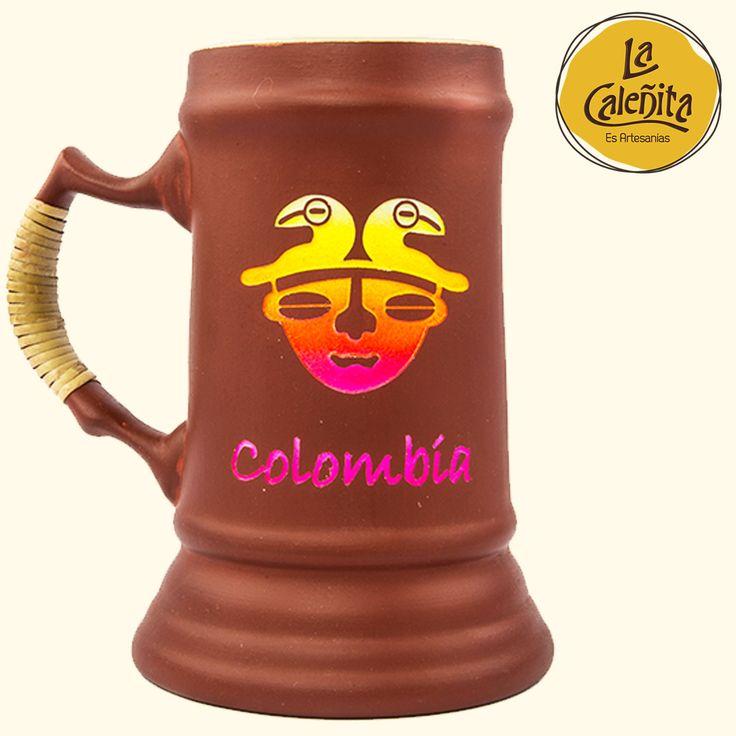 Esta taza original y artesanal de cerveza está hecha será un regalo perfecto para un buen cervecero. 💖🍺💛 #ArtesaniasColombianasHechasAMano #ArtesaniasTipicasDeColombia #ArtesaniasDeColombia