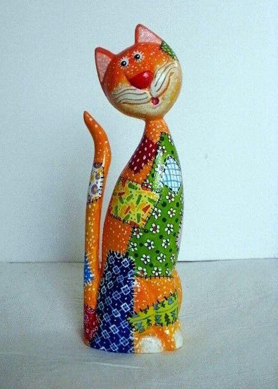 Деревянные коты Виталия Корякина. Кот в заплатках, дерево, ручная роспись.