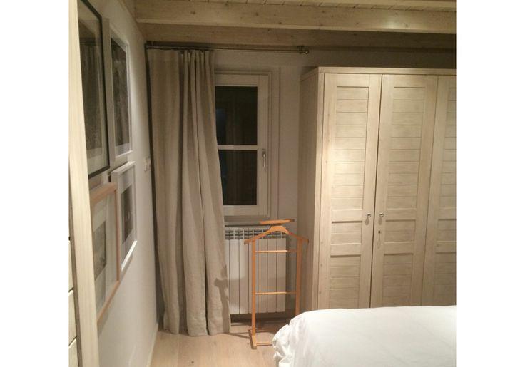 Ideas cortinas habitaciones, en tonos neutros. Cortina onda perfecta en color taupe.
