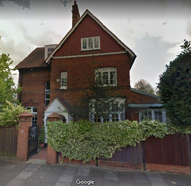 The home,from 1898 to 1904,of English animal painter (notably,of dogs) CECIL ALDIN (1870-1935).  47 PRIORY AVENUE,BEDFORD PARK,CHISWICK W4 1TZ