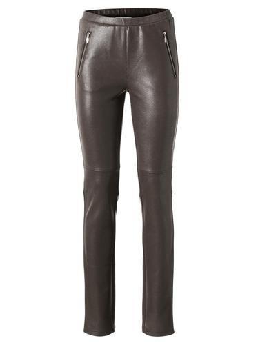 #Ashley #Brooke #By #Heine #Damen #Jeggings #braun NorHerren Leibhöhe. In modischer Leder-Optik. In angesagtem Look. Mit Gummizugbund. Mit Reißverschlusstaschen. Schrittlänge ca 77 cm.