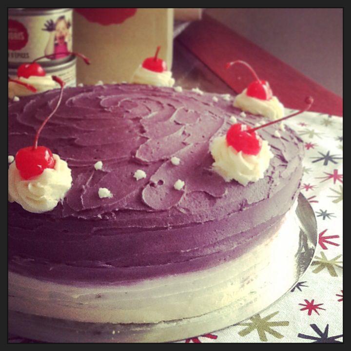 Classic vanilla-raspberry cake