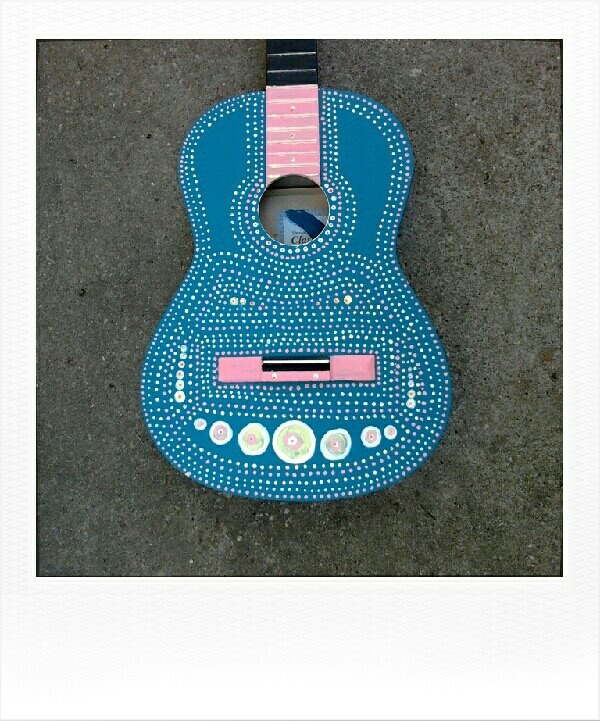 custom guitar paint, slightly mexican style :)