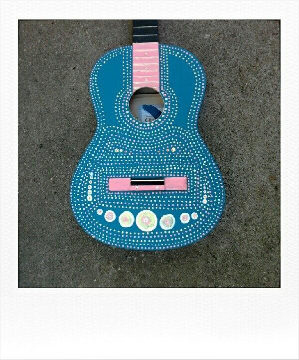 custom guitar paint, slightly mexican style :)
