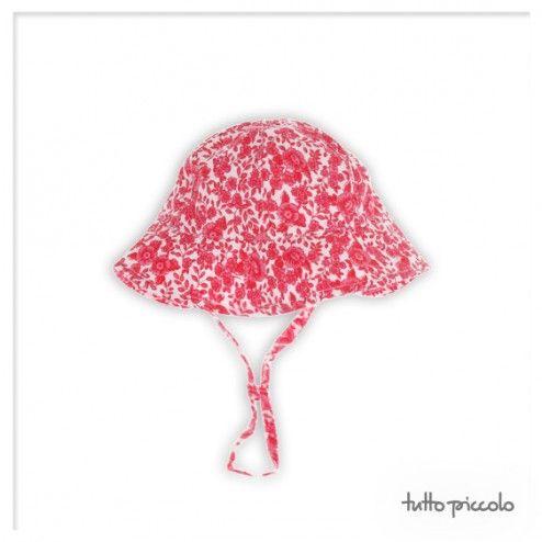 Rojo y blanco, estampado de flores y adorno de ruchas. #tuttopiccolo