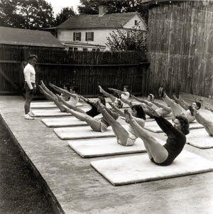 Note from TeamMona: Joseph Pilates teaches a mat class. It's a vintage Teaser! :-D