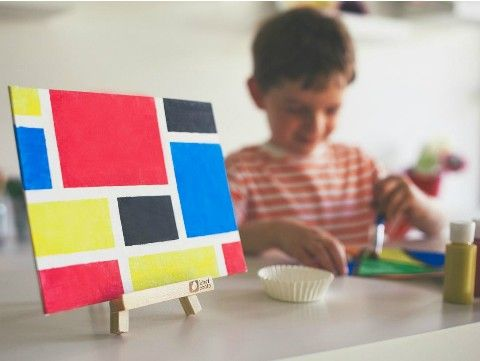 Color Block Painting: Get inspired by modern art! Create a vibrant color-block painting with high-quality paints and canvas. Display your work with a wooden easel. Learn more about modern art in this crate's explore! magazine.  Everything needed, from materials to illustrated directions, is included!