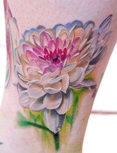 Hand painting watercolor tattoos, leg tattoos, flower tattoos