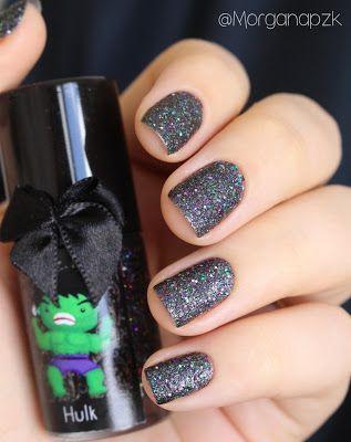 "Esmalte ""Hulk"" da Esmaltes da Kelly. Nails by @morganapzk. Indie Polish. Glitter. Glamour. Nail art. Sand EDK. Esmalte texturizado de tanto glitter."