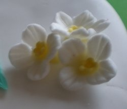 Lots of flower tutorial links! In Gum paste but can be worked in Polymer clay