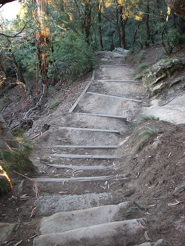 Stairs leading down to the SUBLIME POINT LOOKOUT. A very short section of the walk.