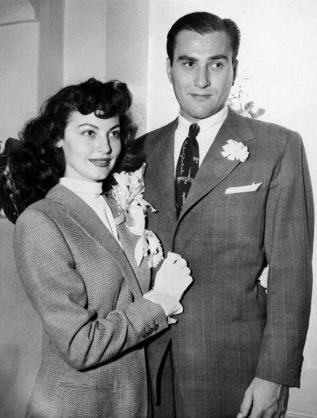 Ava Gardner marries Artie Shaw. Read about this in his book