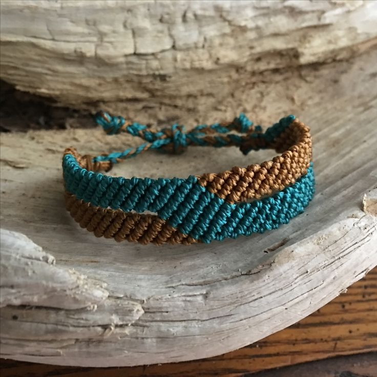 Macrame bracelet, teal and gold colors, unisex style, other colors abailable