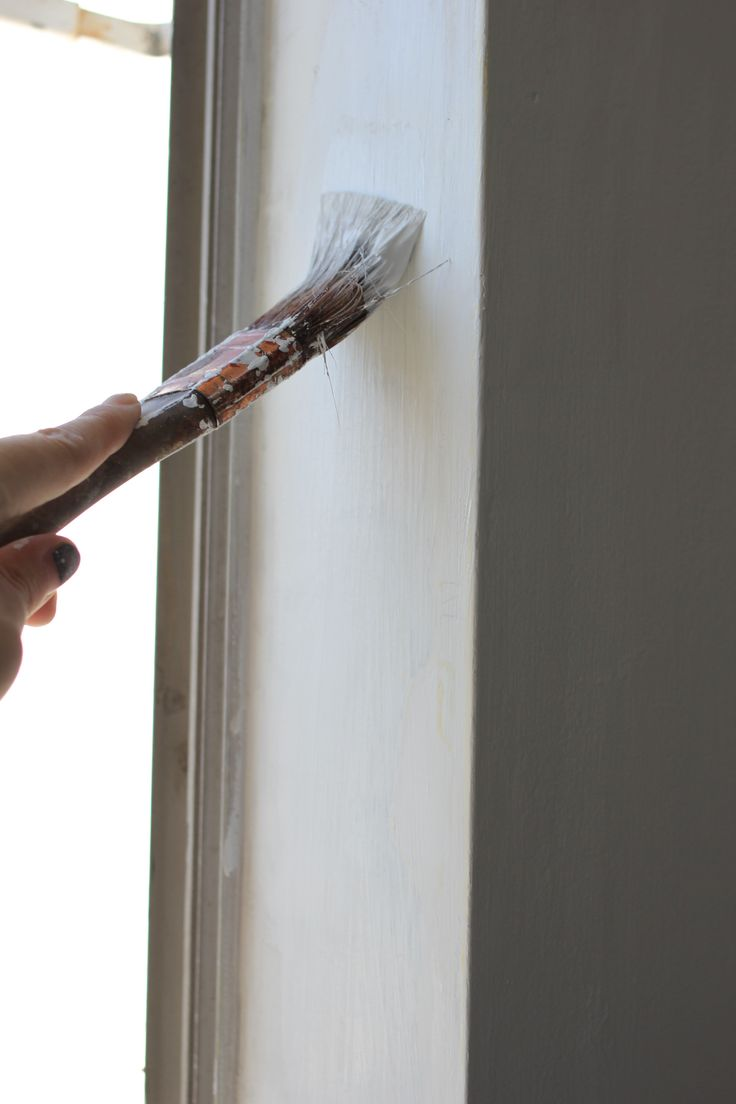How to repair and prep cracked and crumbling walls for