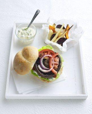 Portobelloburgers met groentefrietjes en tartaarsaus · EVA maakt het plantaardig