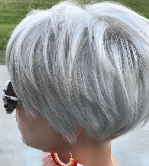 30 Amazing Short and Colored Hairstyle You Can Try #mydailypins.com #womenfashionideas #womenhaircut #womenhairstyle2019