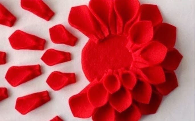 DIY Felt Flower Pillow - The Idea King