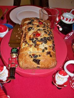 El pan de la amistad, también conocido como pan Amish de la amistad, es un tipo de pan o bizcocho hecho con una masa madre que a men...