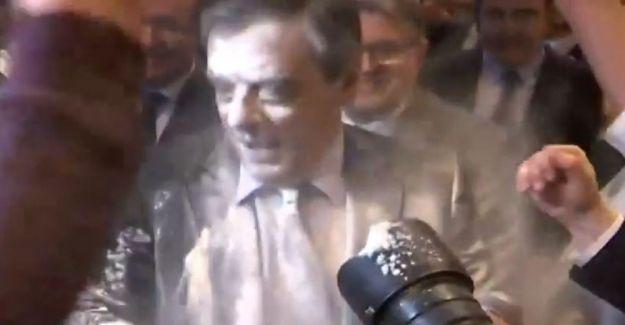 Fransız Cumhurbaşkanı adayı Fillon'a 'unlu' protesto